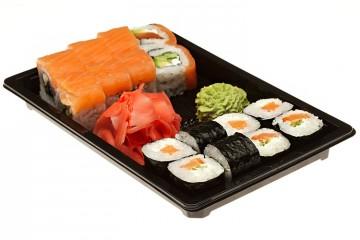 Vienreizlietojamie suši trauki un sushi pārtikas iepakojums ēdienu piegādei